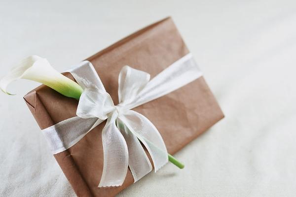 重阳节送什么礼物给老人合适 陪伴是最好的礼物